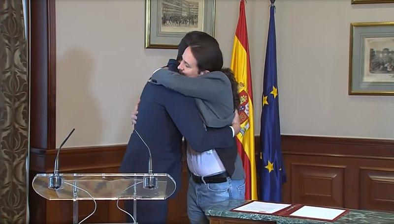 Pedro Sánchez y Pablo Iglesias (Fuente: Wikimedia Commons)